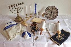 Verschiedene Gegenstände aus dem Judentum